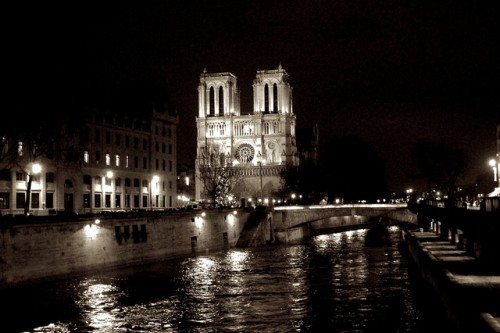 20150408-200_muses-Imatge_Paris_Sightseeing_089_Steve_Nagata_CC2.0_Attribution-Text_Paris_nit_calma_Tere_SM