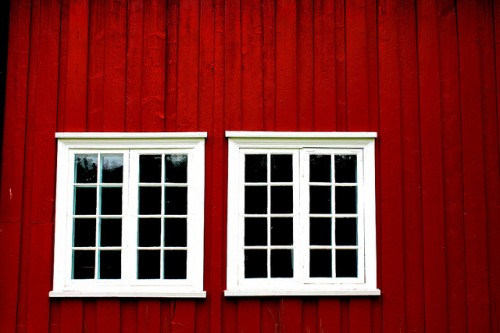 20151012-200_muses-Imatge_Windows_Molde_Norway_abstract_dailyshoot_Les_Haines_CC2.0_Attribution-Text_Punt_de_vista_Tere_SM