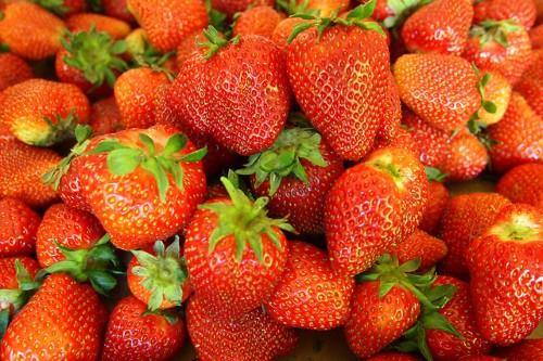 20150310-200_muses-Imatge_strawberries_Fried_Dough_CC2.0_Attribution-Text_Osset_de_peluix_Tere_SM