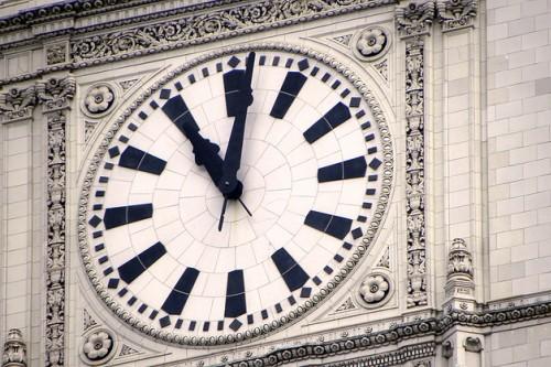 20150630-200_muses-Imatge_Clock_Tower_nathanmac87_CC2.0_Attribution-Text_Bessons_de_naixement_Tere_SM