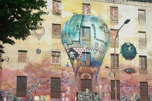 20150714-200_muses-Imatge_Carboneria_casa_okupa_Sant_Antoni_mural_utopia_MPilar_Navarro-Text_Globus_Tere_SM