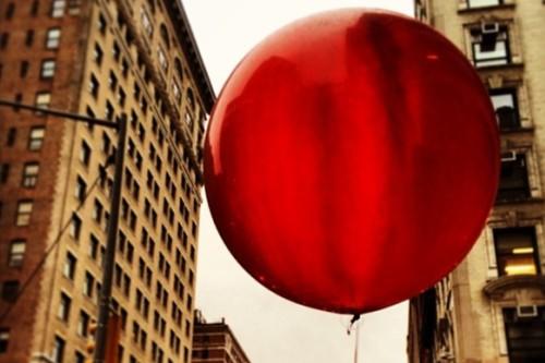 20151027-200_muses-Imatge_The_Red_Balloon_Fifth_Avenue_Boss_Tweed_CC2.0_Attribution-Text_Una_tarda_al_parc_Tere_SM