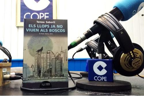 20161216-entrevista_radio_cope_tarragona_reus-monica_carrasco-els_llops_ja_no_viuen_als_boscos-premi_7_lletres-teresa_saborit-pages_editors