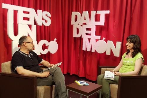 Tens_un_raco_dalt_del_mon-Programa_televisio_llibres-Entrevista_Teresa_Saborit-Els_llops_ja_no_viuen_als_boscos-Canal_21_Ebre